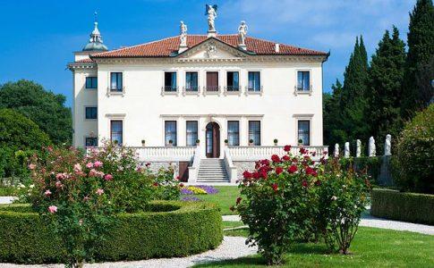 Villa VAlmarana ai Nani. Via Wikimedia Commons.