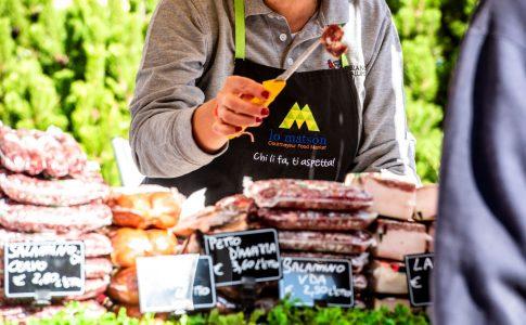 cOURMAYEUR FOOD MARKET via courmayeur valle d'aosta