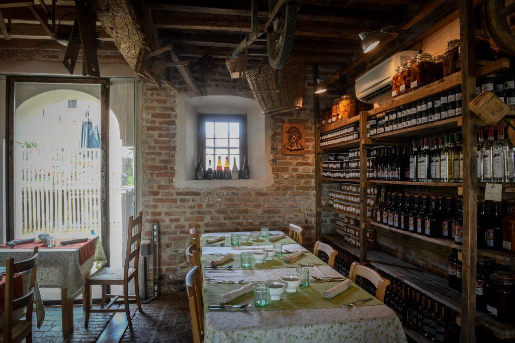Hosteria del Maiale, Antica Corte Pallavicina di Polesine Parmense (PR), foto di Luca Rossi (6) via ella studio