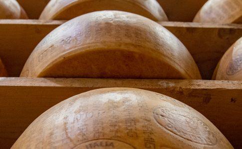 Via ella studio Visita guidata al caseificio di Parmigiano Reggiano, foto di Francesca Bocchia, credit Parma2064 (13)