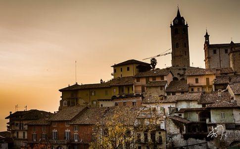 borghi più belli d'italia monforte d'alba via wikimedia commons.