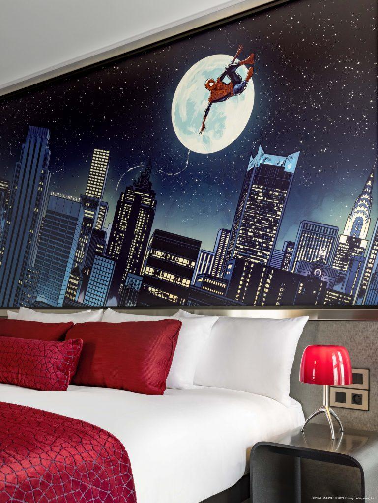 Suite Tema Spider-Man.  Via Disneyland Paris.